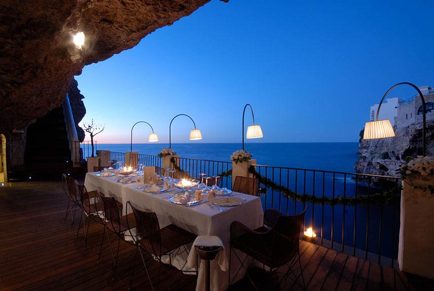 italian-cave-restaurant-grotta-palazzese-polignano-mare-10