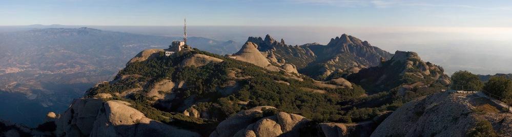 Montserrat_Mountains,_Catalonia,_Spain_-_Jan_2007